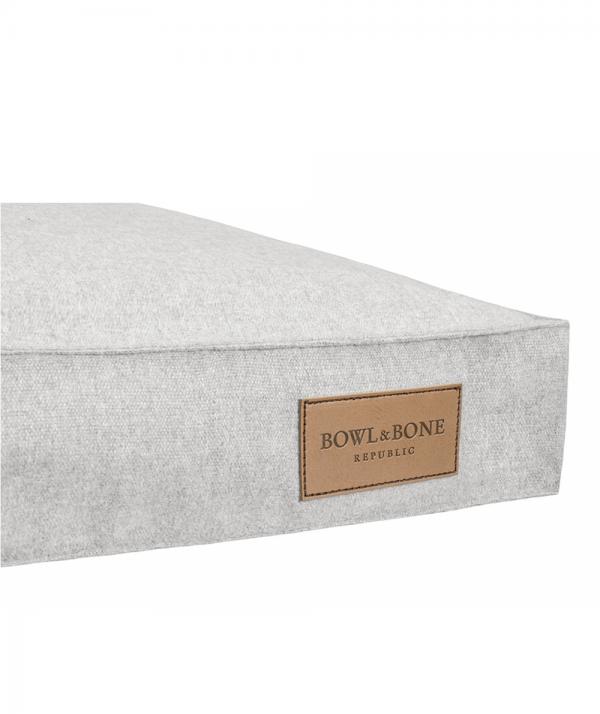 Bowl and Bone Loft hundepude grå