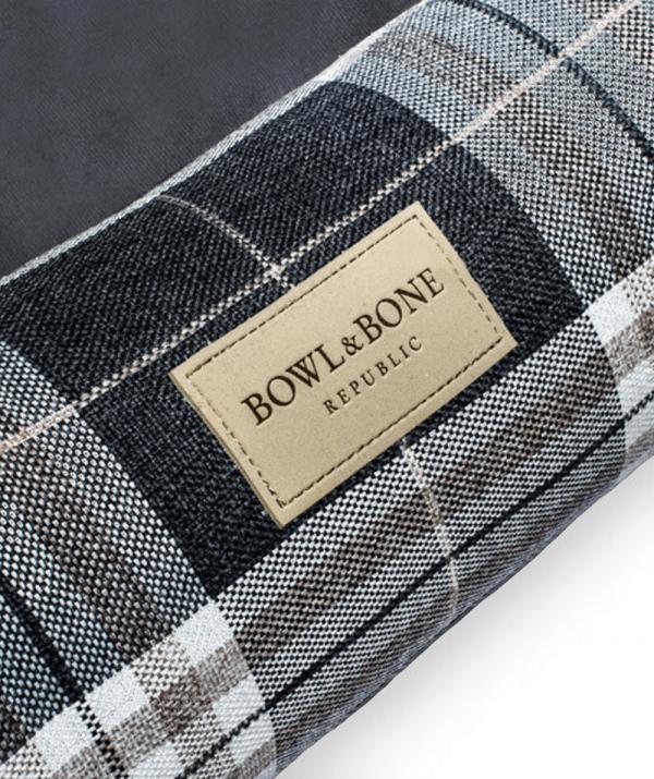 Bowl and Bone Scott hundeseng